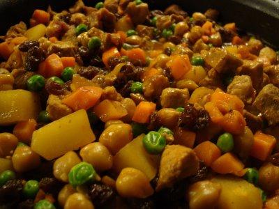 how to cook filipino food menudo